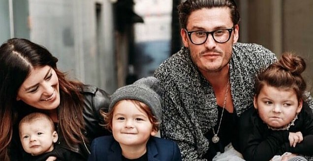 Chad Veach and Julie Veach with their children