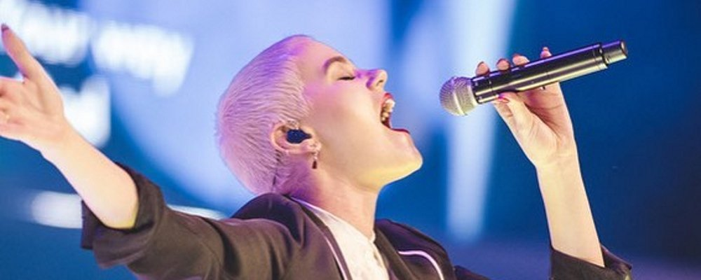 About that Buzz Cut: Hillsong United's Taya Smith Explains